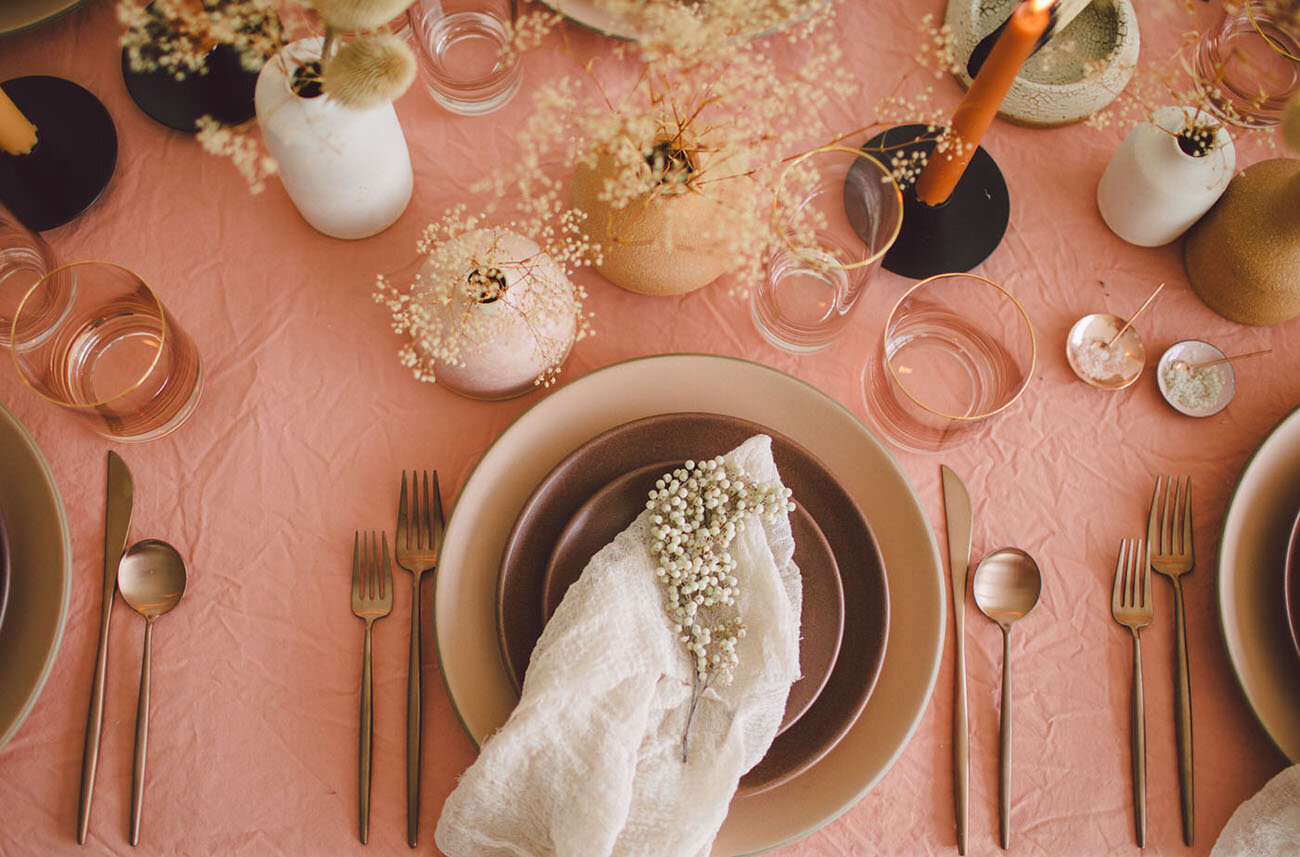Earthy + Autumnal: Burnt Sienna Hues Inspired This Modern + Free-Spirited Editorial from Green Wedding Shoes