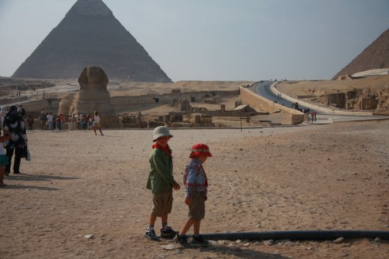 4.1224428402.boys-and-sphinx.jpg