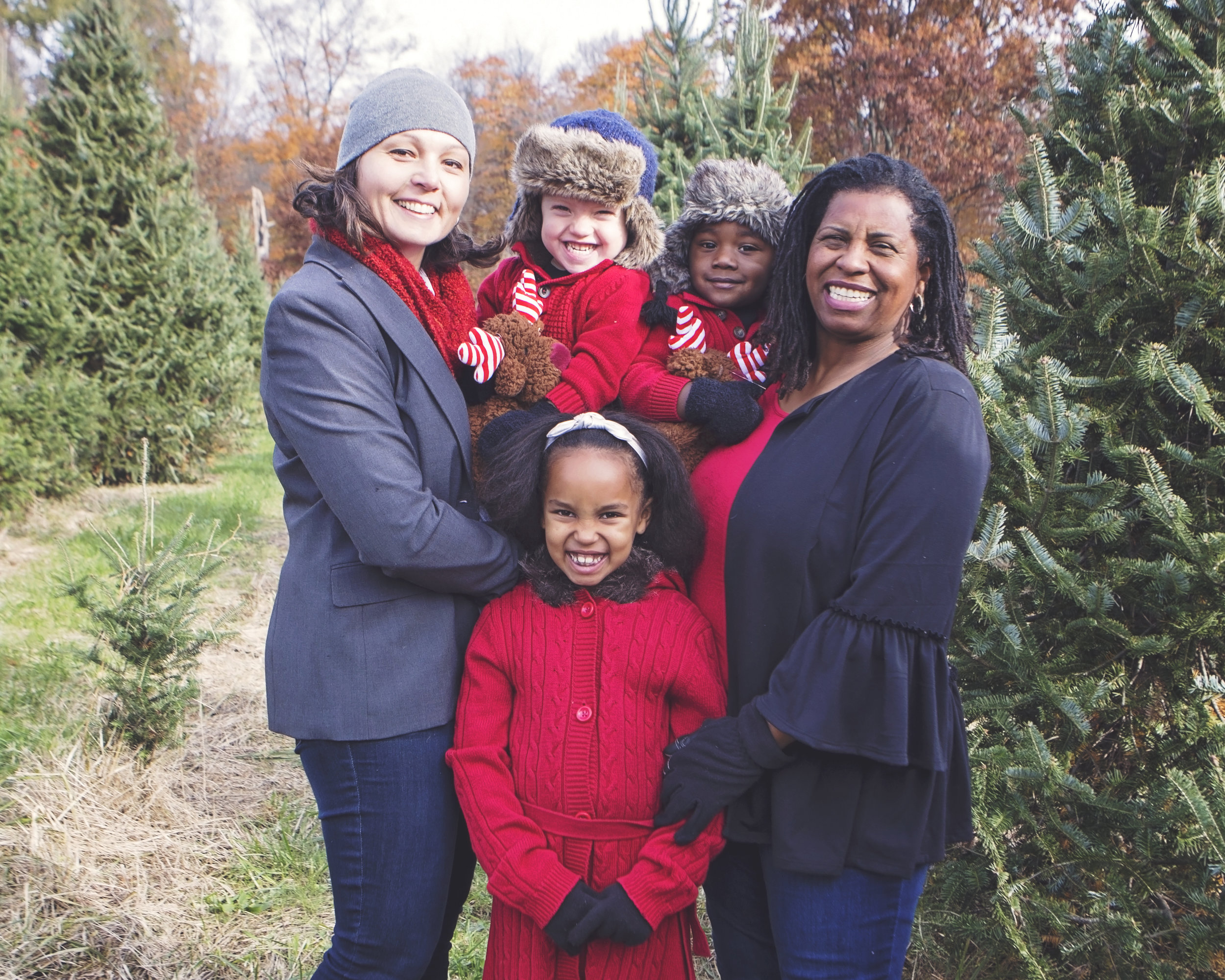 Angela Easton left, and her family, wife, Theresa, and kids Clayton, Benit and Delilah, had lots of support from family and neighbors after Angela's kidney donation surgery.