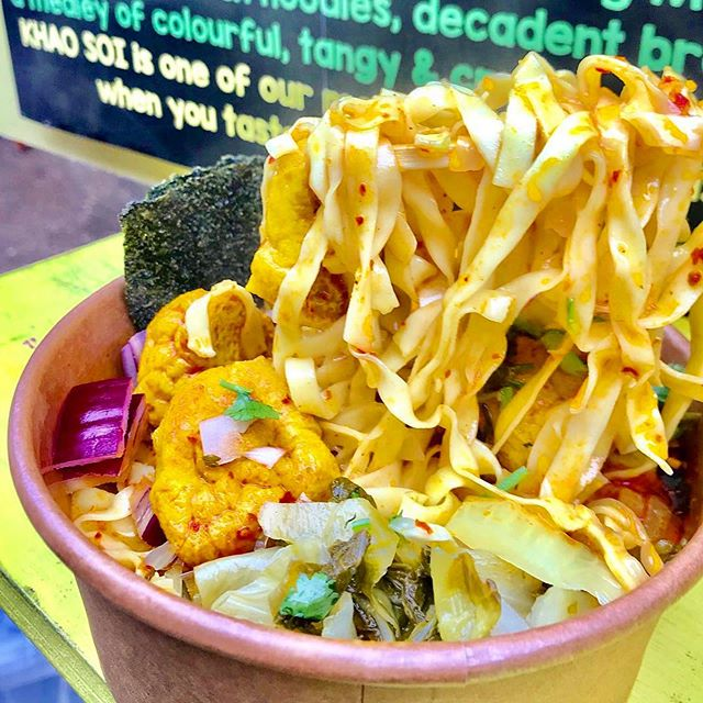 🌈KHAO SOI NOODLES🌈 Have a bowl (or two!?) to see why this is one of our most requested dishes, and a GK favourite among London foodie bloggers.💖 . . At @boroughmarket from 16th to 28th of September!🙏🏻✨ Check our bio to see opening times.👀 . . . . . #greedykhao #veganthai #plantbasedthai #NOFISHSAUCE #londonfood #londoneats #musttry #timeoutlondon #eatfamous #noodlepull #eatauthentic #khaosoi #vegansofldn #londonvegans #veganfoodspot #veganfoodshare #thaifoodlondon #boroughmarket #boroughmarketlondon #thingstodolondon #musttry #southwark #eatlondon #visitlondon #ข้าวซอย #วีแกน #มังสวิรัติ #เที่ยวอังกฤษ #ลอนดอน