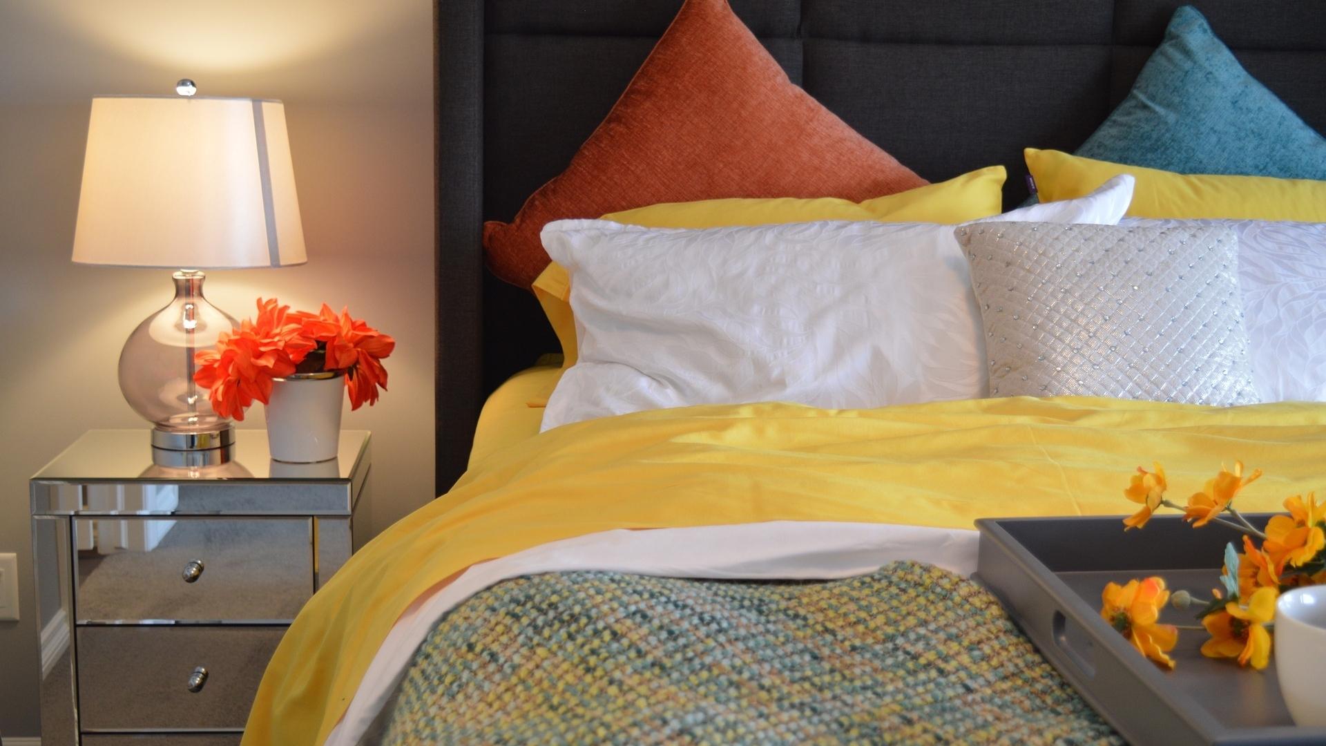 bed-1158267_1920.jpg