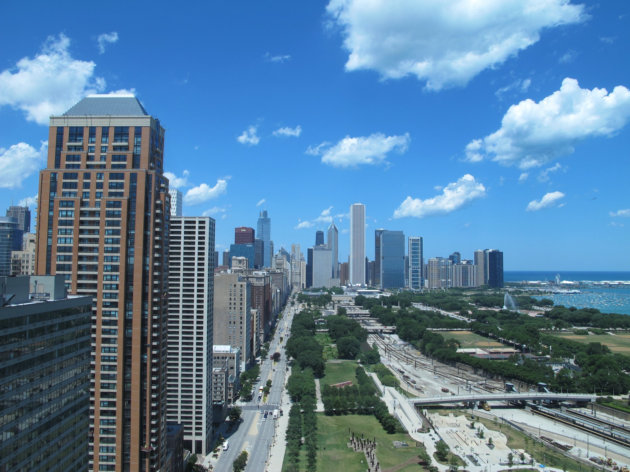 South Loop - South Loop is one the fastest developing neighborhoods in Chicago. With easy access to transportation, less congestion, and new resturants opening, many Chicagoans are flocking to this hot new neighborhood!