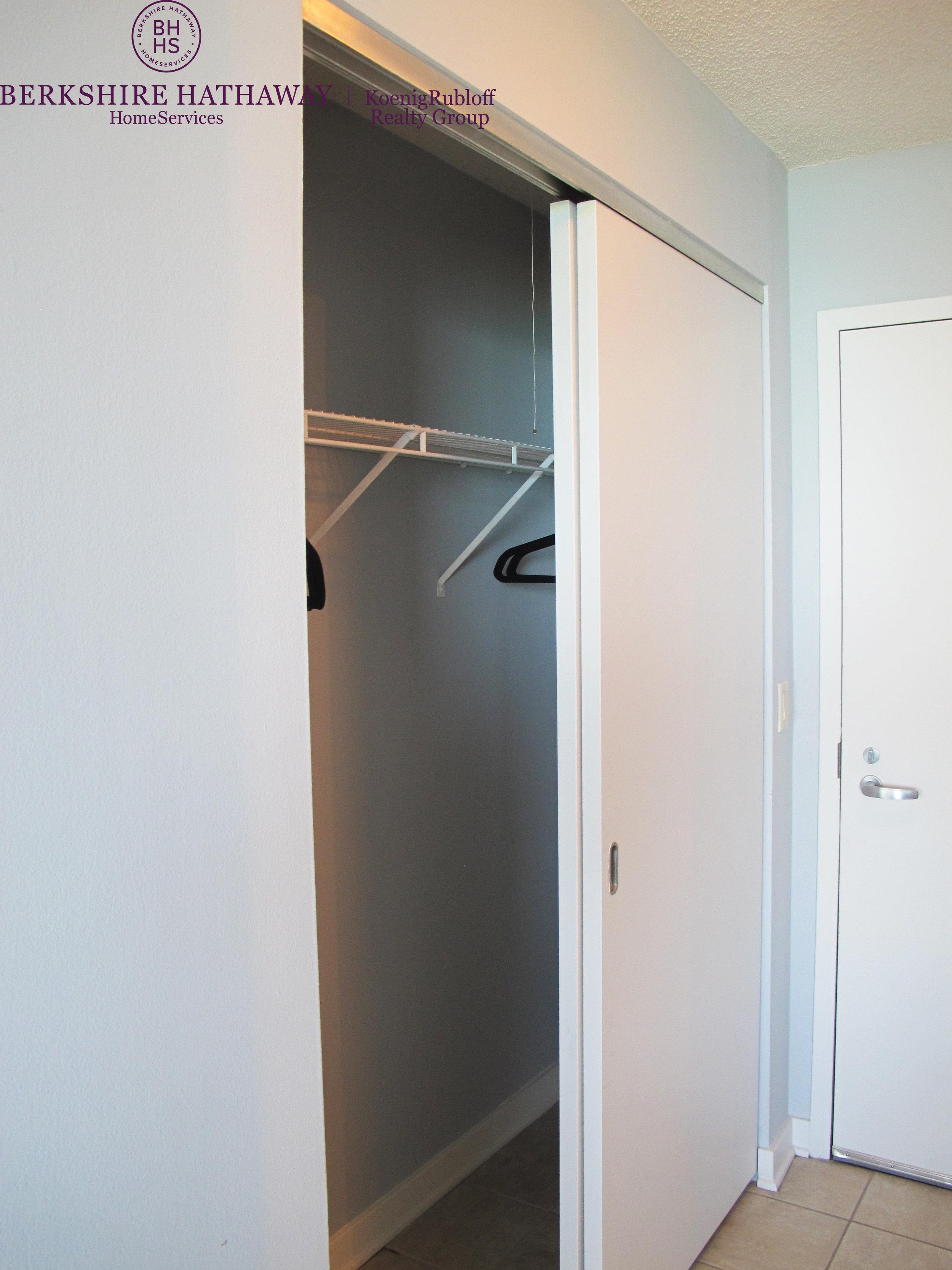 Closet - 3.jpg