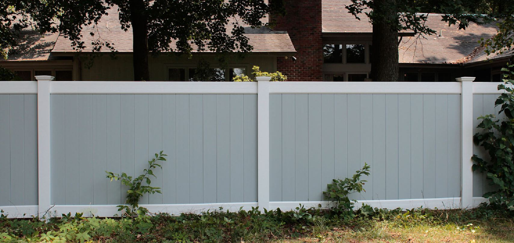 Vinyl Fence manufactured by  Shoreline Vinyl (Caroline Style)