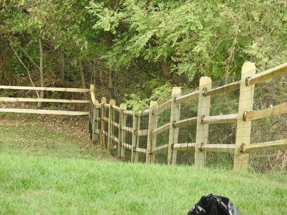 Landmark Fence 2.jpg