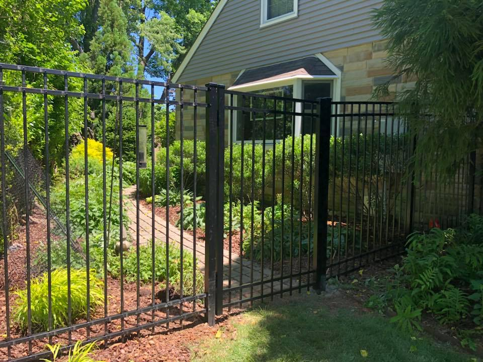 Landmark Fence alum1.jpg