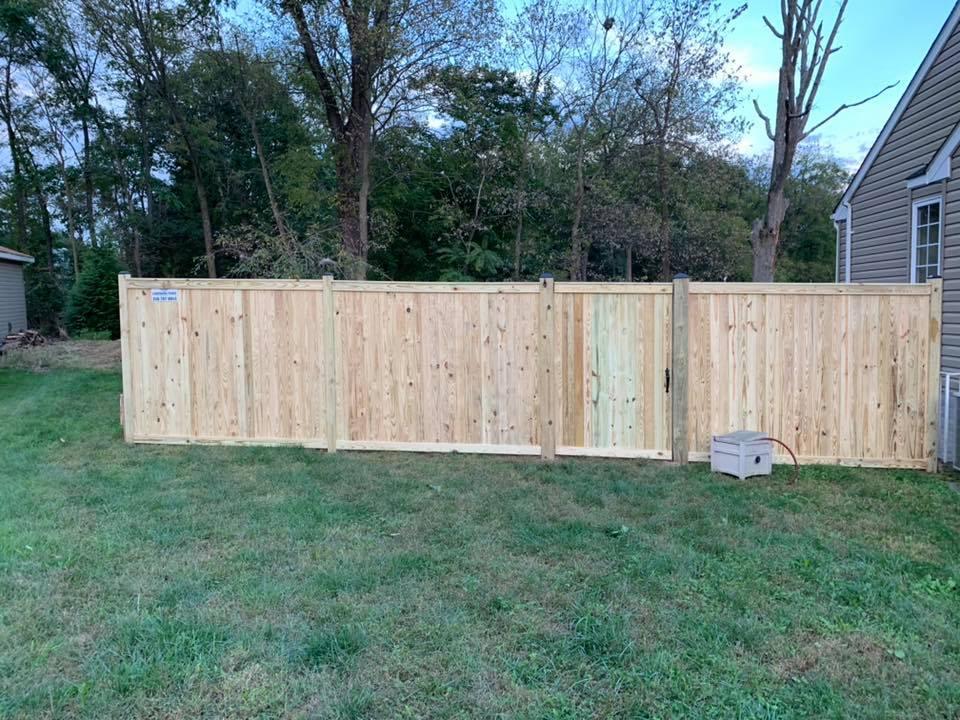 Landmark Fence bo1.jpg