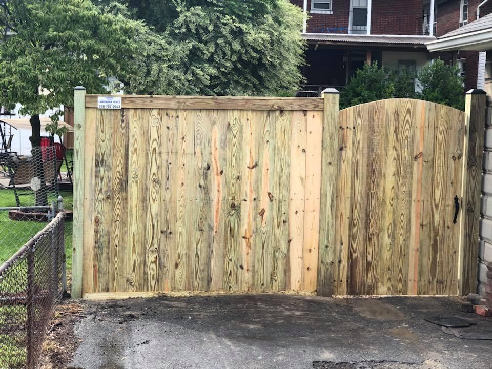Landmark Fence bo6.jpg