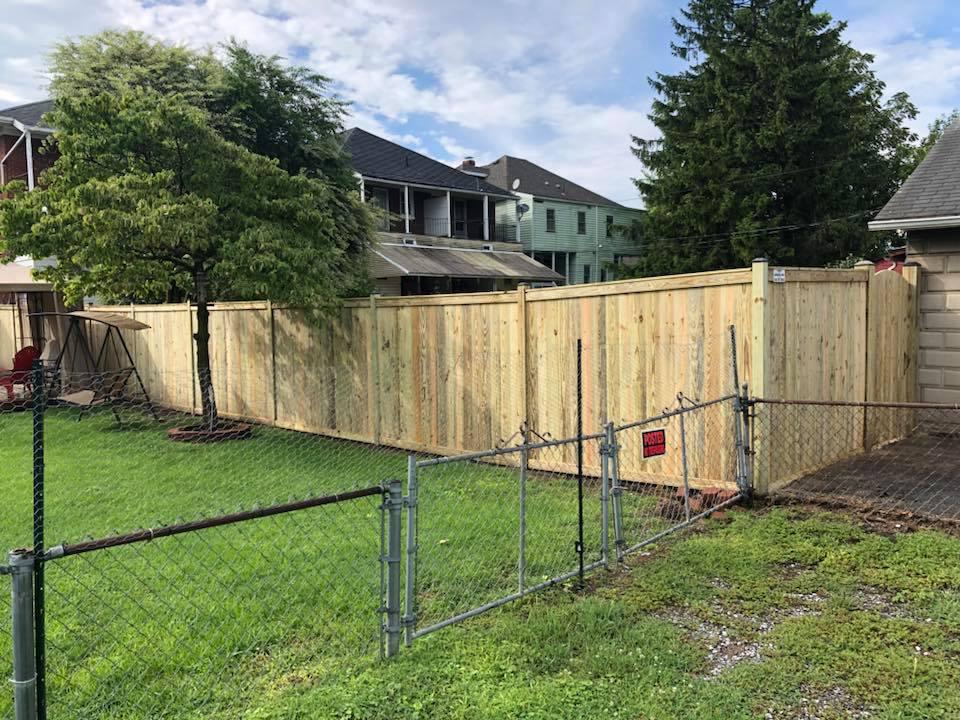 Landmark Fence bo7.jpg