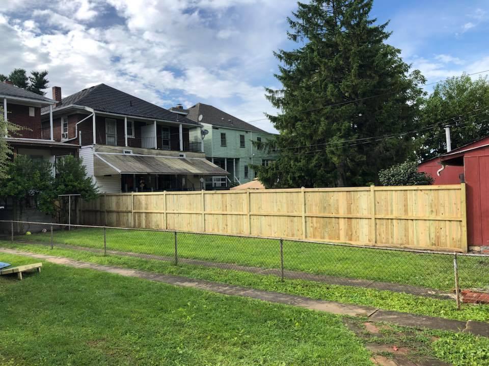 Landmark Fence bo8.jpg