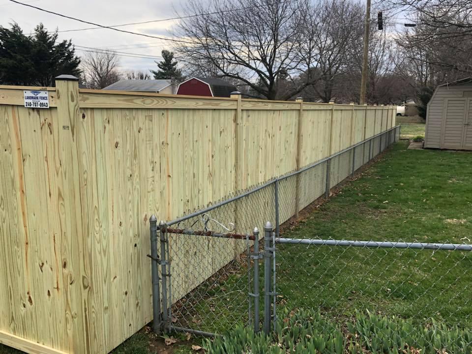 Landmark Fence bo14.jpg