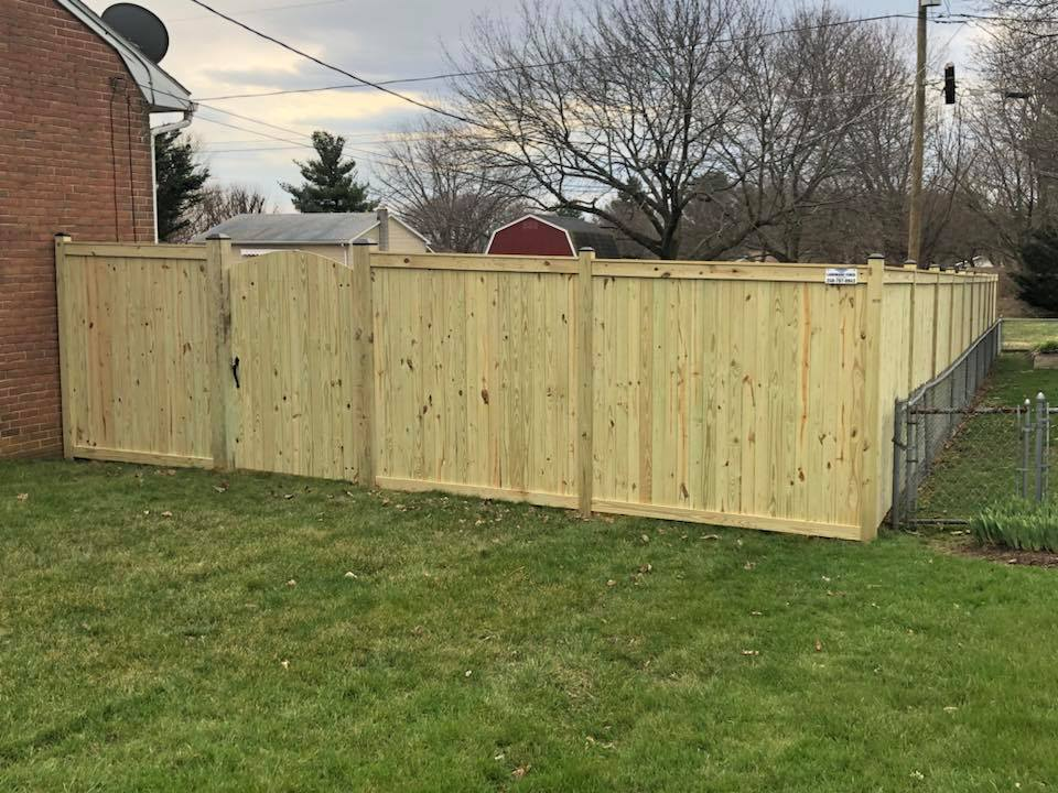 Landmark Fence bo16.jpg