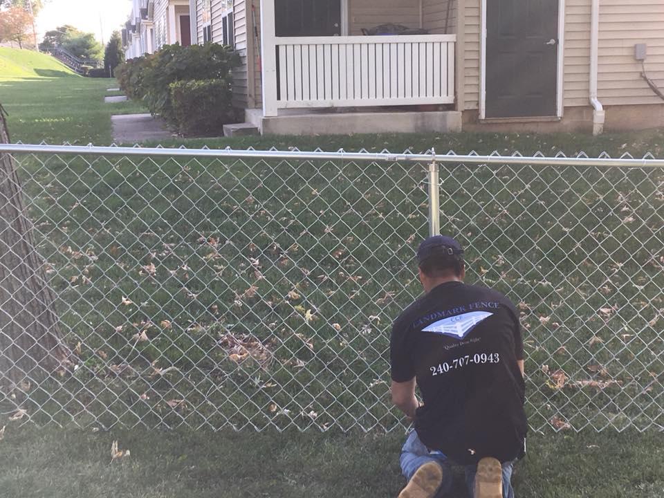 Landmark Fence cl3.jpg