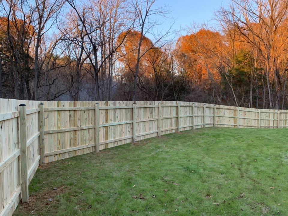 Landmark Fence de3.jpg