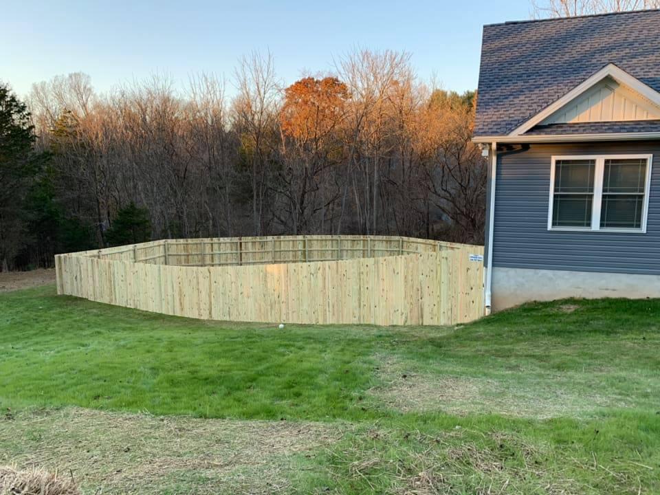 Landmark Fence de6.jpg