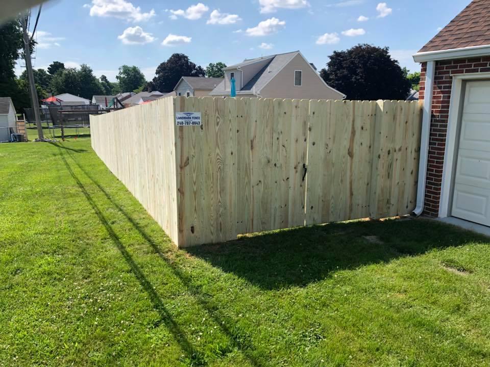 Landmark Fence de7.jpg