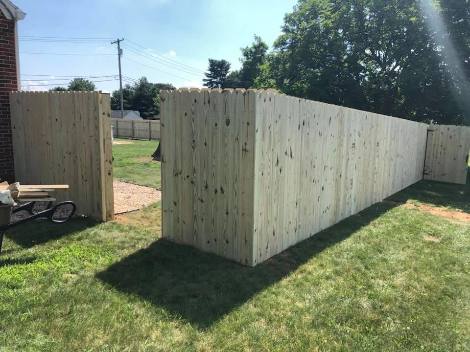 Landmark Fence de9.jpg