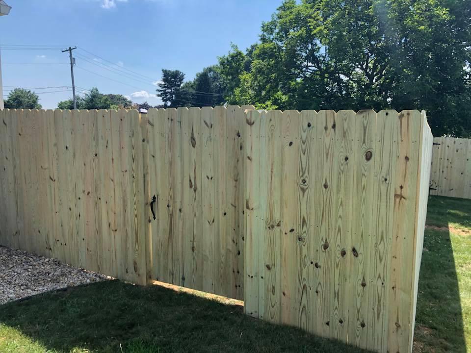 Landmark Fence de8.jpg