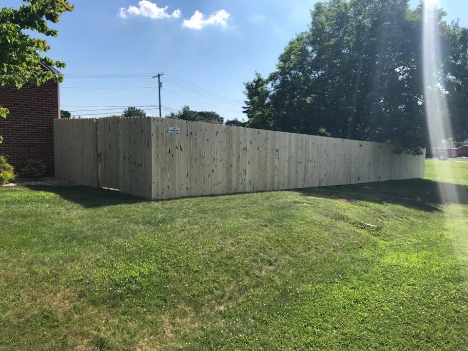 Landmark Fence de11.jpg