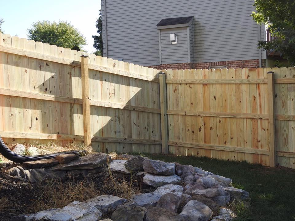 Landmark Fence de12.jpg