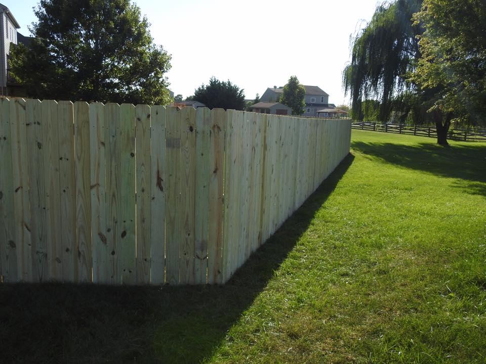 Landmark Fence de14.jpg