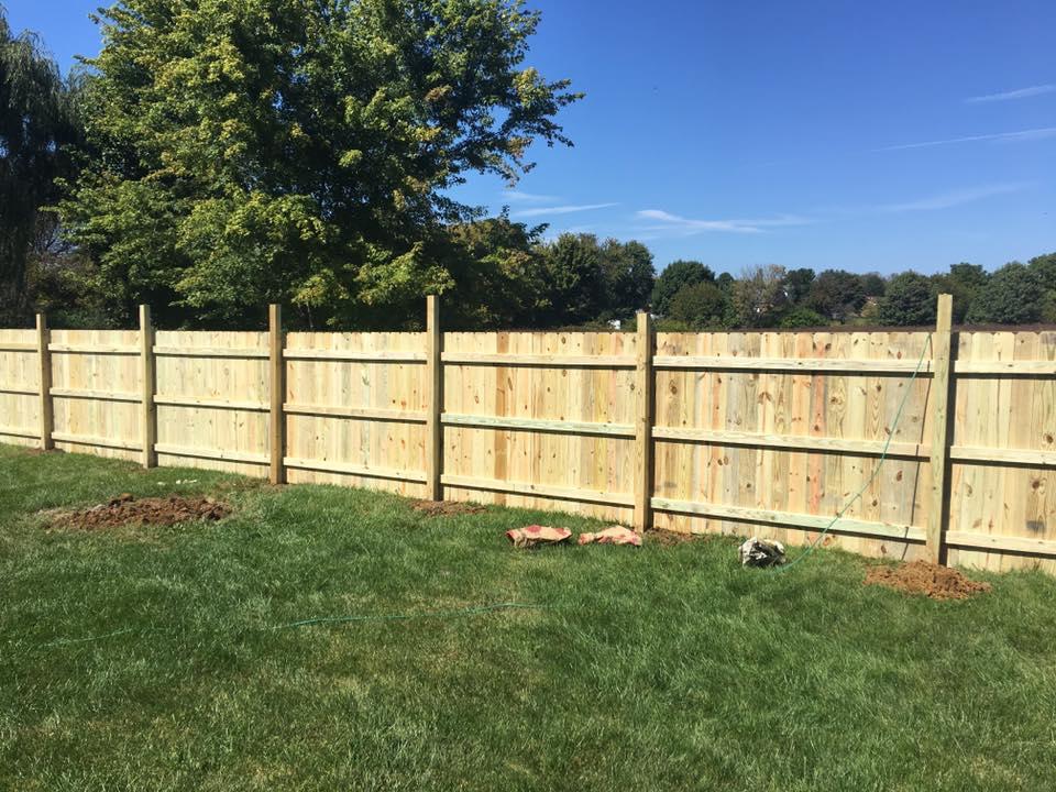Landmark Fence de18.jpg