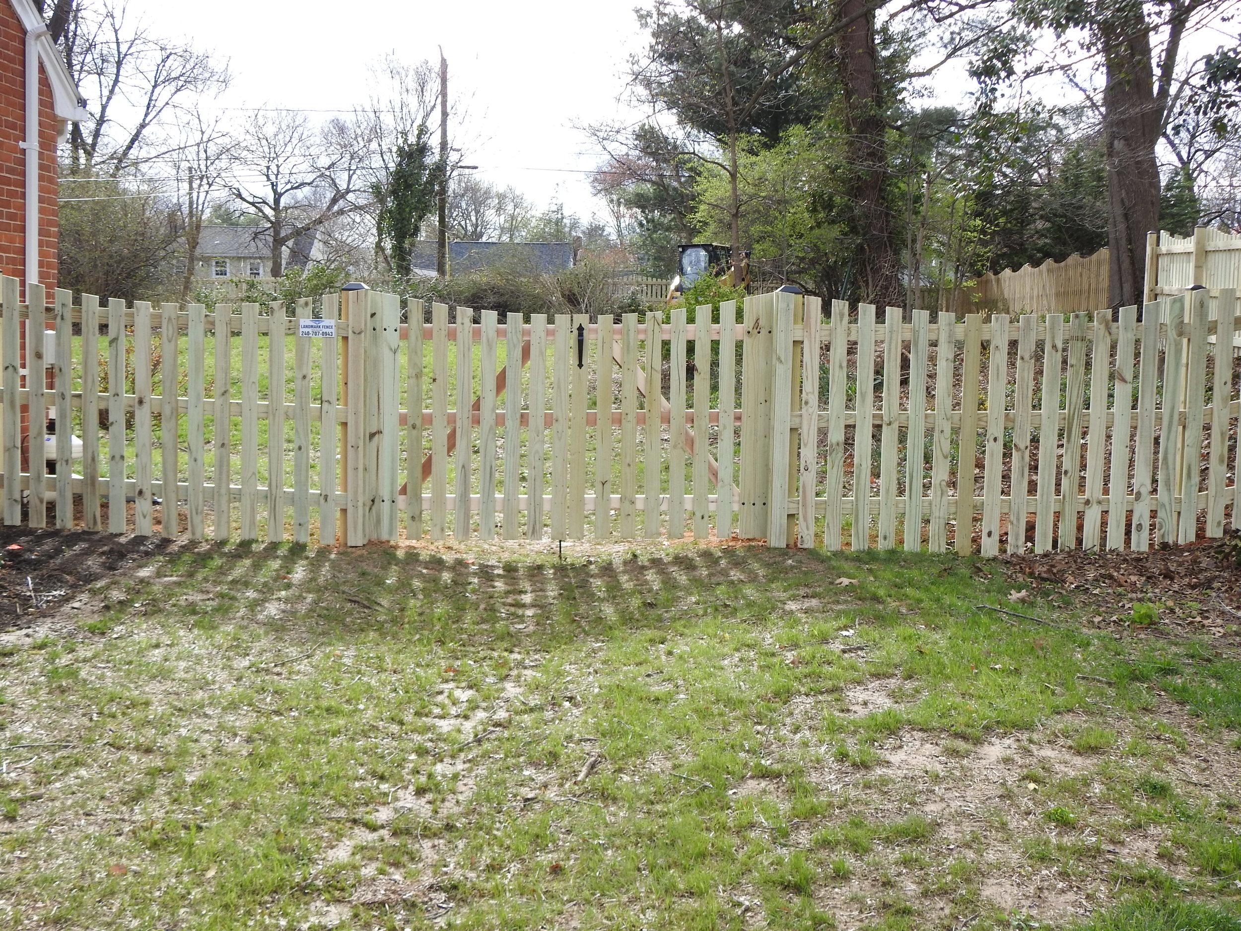 Landmark Fence MK 1.JPG