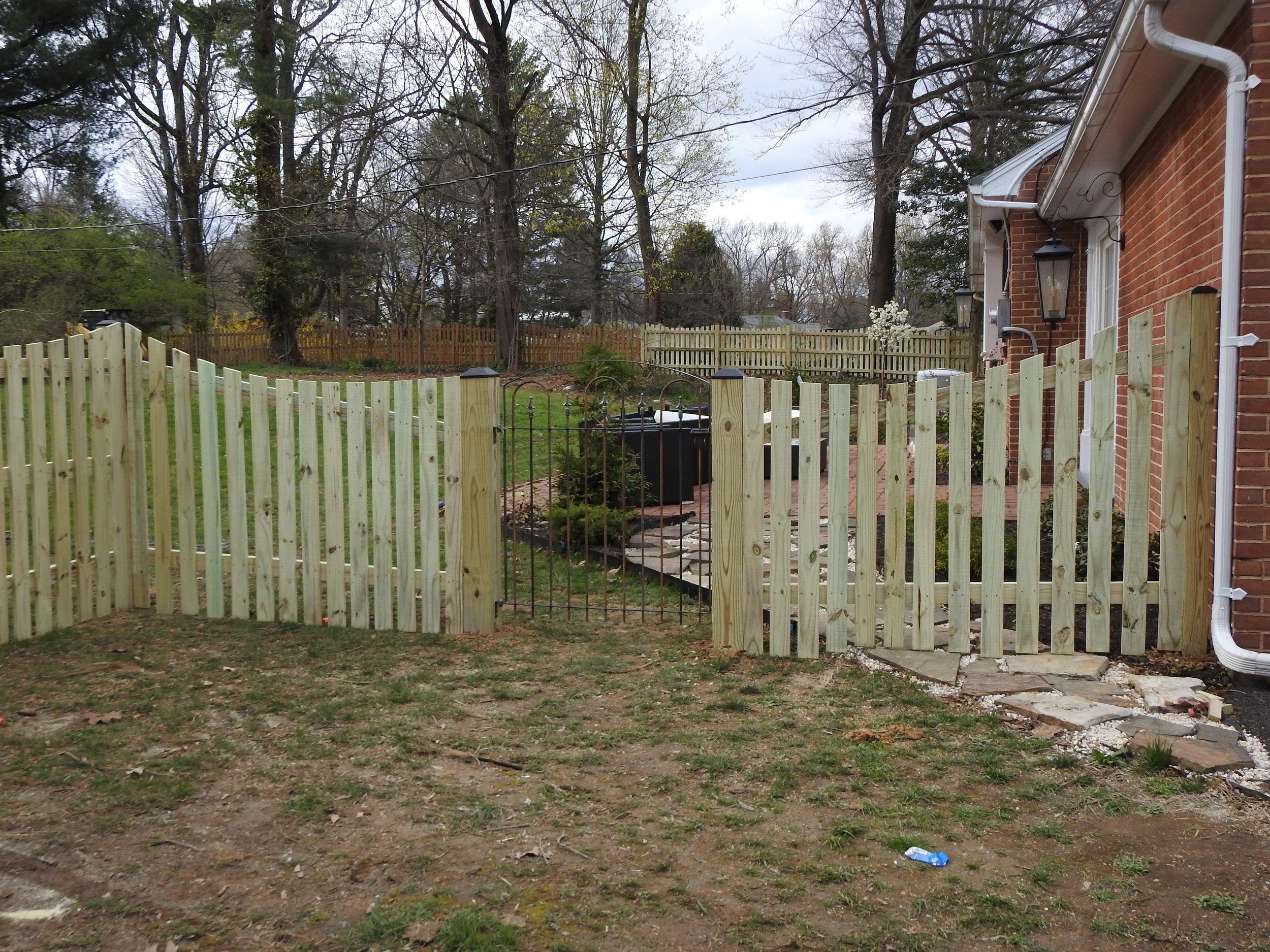 Landmark Fence MK 7.JPG