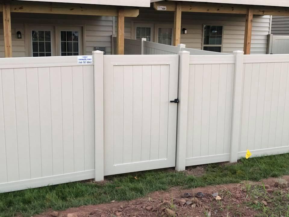 Landmark Fence vsb7.jpg