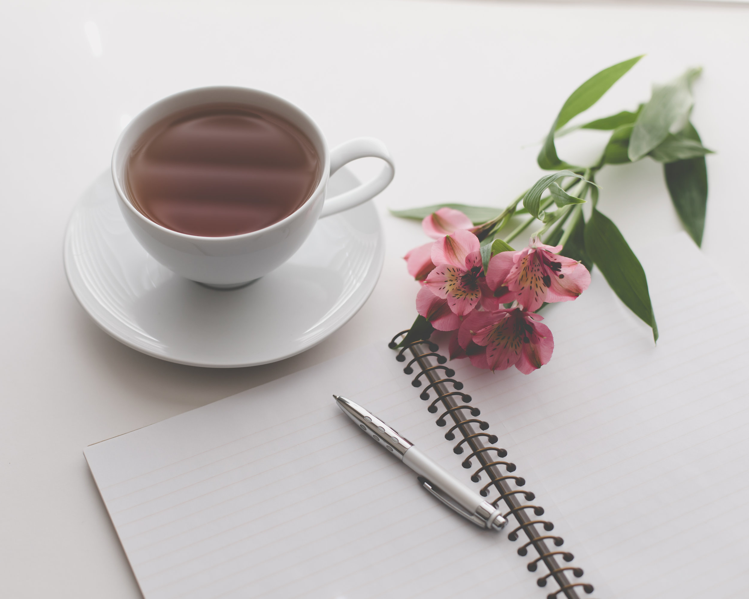 10 Journal Prompts to Visualize your best life in Grad School