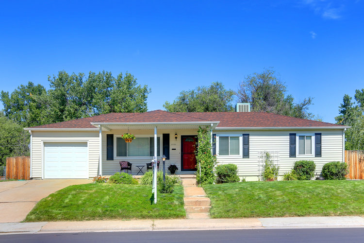 3025 S. Holly Street - $365,5002,160 sqft5 beds, 2 bathsQuarter Acre LotGolf Course Like BackyardGroovy BasementRetro KitchenWhere Two Neighbors Fell In Love(beat that)