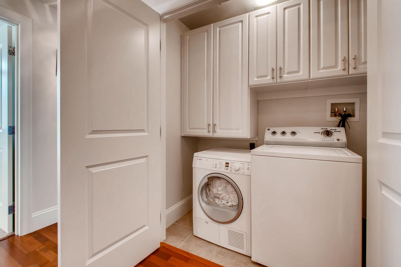 2001 Lincoln St 1413 Denver CO-large-023-014-Laundry Room-1500x1000-72dpi.jpg