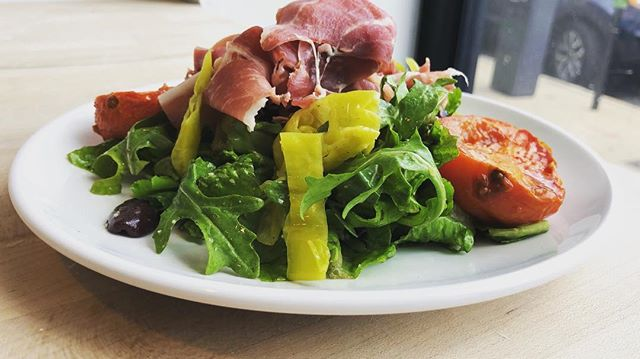 struggling to get through Monday? Need veggies to give you a boost? Indulge in the Florence Salad from @hugospizzeria ! #fresh #local #volpiprosciutto #housemade