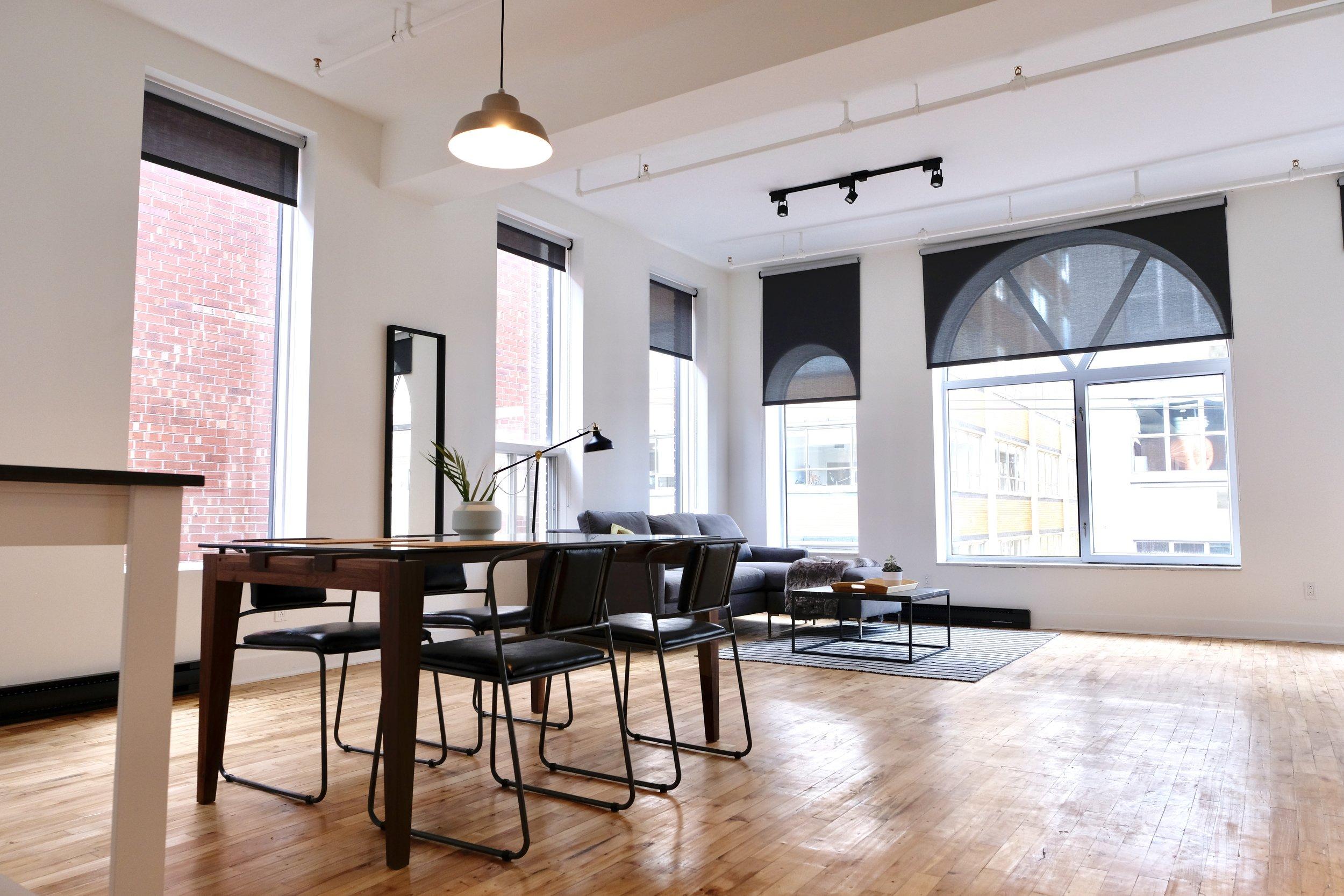 Lofts Clark - Entouré d'une architecture historique, les Lofts Clark est un projet moderne de plusieurs lofts avec un aspect distinctif. Ces lofts spacieux sont fonctionnels et décorés avec style. Il s'agit là d'un cadre idéal pour les professionnels, les jeunes familles et les retraités.