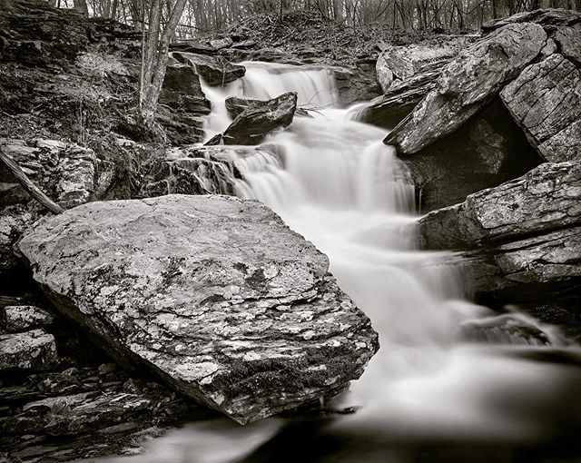 Brand new work from my series 'Dynamic Waterscapes' link in my @allardimaging bio for the full portfolio with writing, enjoy!! This little gem is in East Haddam, CT, taken with my Shenhao 4x5 and Schneider APO Symmar 150mm on my fav Ilford FP4+ black and white film!