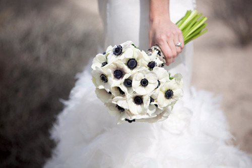 modern-wedding-bouquet-floral-design-Bella-Signature-Design-1.jpg