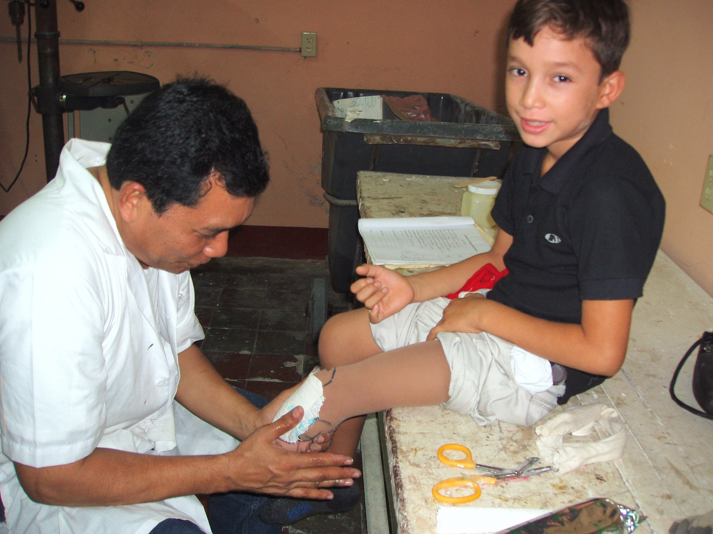One of the Polus Center's first international projects in 1997 was the establishment of Walking Unidos, a small prosthetic clinic in Leon Nicaragua, which continues to operate today.