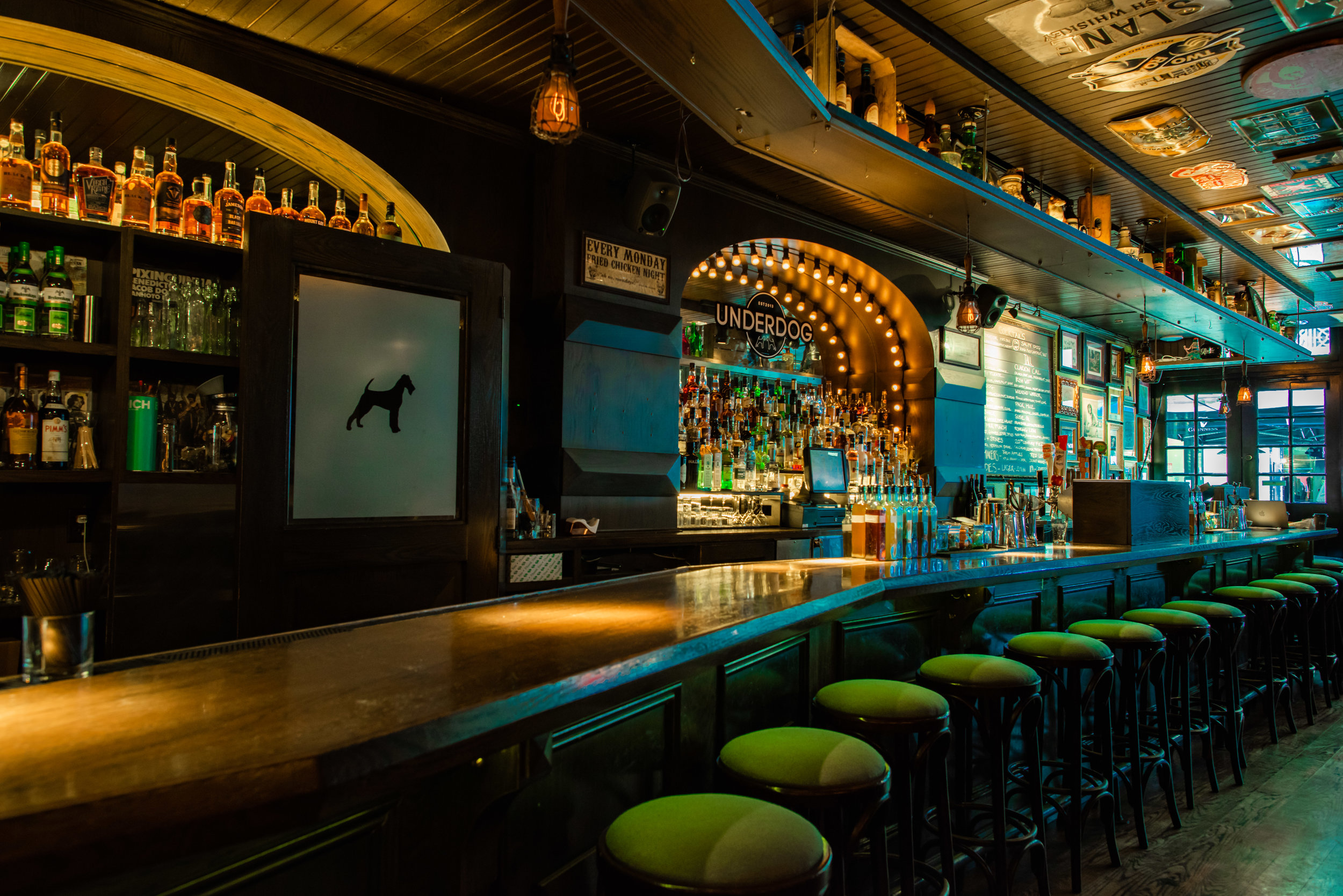 Underdog-Bar-Nyc-Fidi-Cocktails-Beer-Burgers