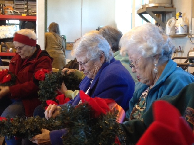 Veteran's Christmas wreaths.jpg