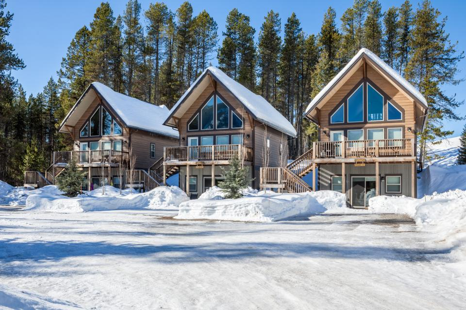 stay and ski - Stay at the Going to the Sun Chalets