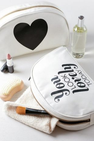 FWSBEAUTYCHALLENGE-Inspiration-July-Week-1-Beauty-Bag-Favorites-White.jpg