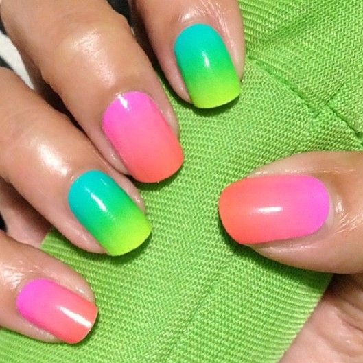 FWSBEAUTYCHALLENGE-Inspiration-July-Week-1-Tropical-Color-Mani-Ombre.jpg