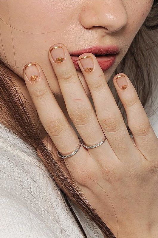 FWSBEAUTYCHALLENGE-Inspiration-July-Week-1-Go-for-the-Gold-Nails.jpg