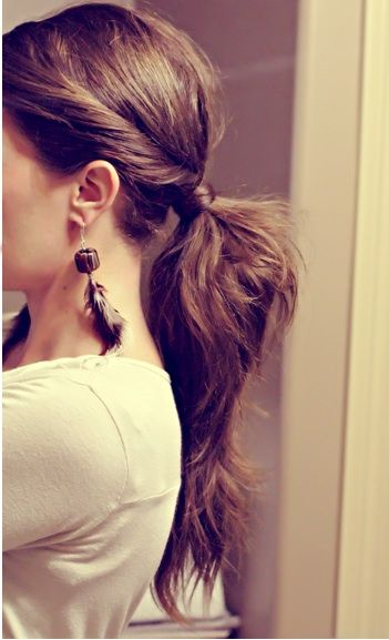 FWSBEAUTYCHALLENGE-Inspiration-July-Week-3-Go-to-Hair-Pony.jpg
