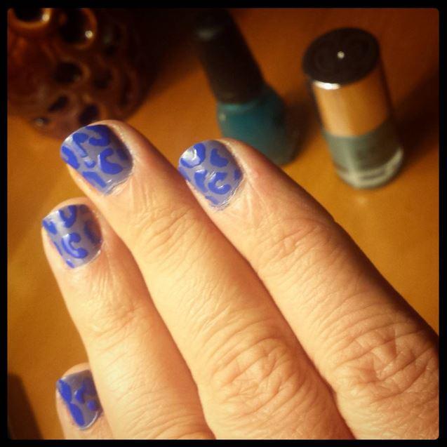 FWSBeautyChallenge-Week3-Favorites-Blue.jpg