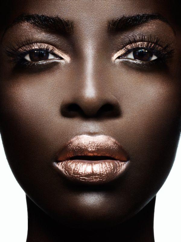 FWSBeautyChallenge-Inspiration-Week4-High-Shine-Metallics-Lips.jpg