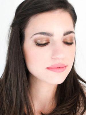 Weekly-Roundup-9-The-Beauty-Department-Bronze-Winter-Makeup.jpg
