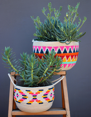 Weekly-Roundup-30-Honestly-WTF-DIY-Hand-Painted-Rope-Baskets.jpg