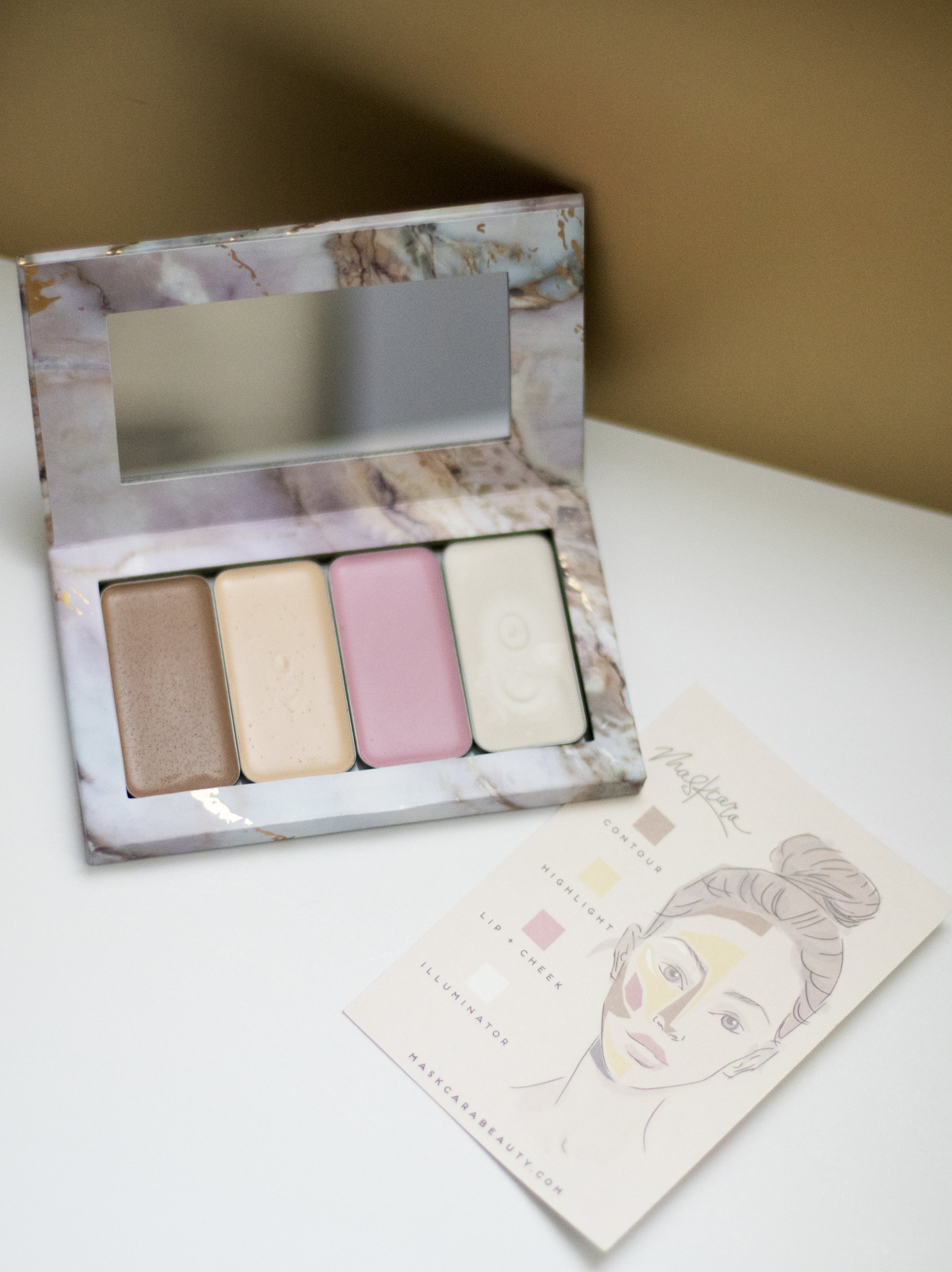 Maskcara_Giveaway_Product_Palette.jpg