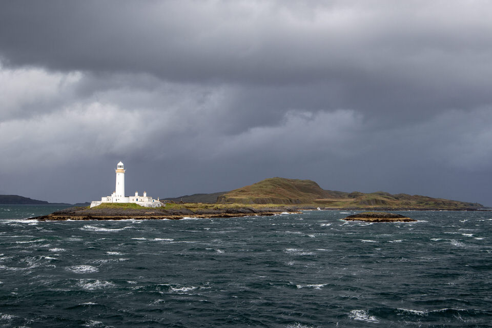 One of my favorite pics of the whole trip — taken from the ferry ride on the way back to Oban.